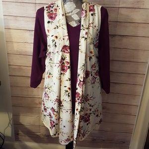 Parlo brand Floral Cream Vest, Size 2X